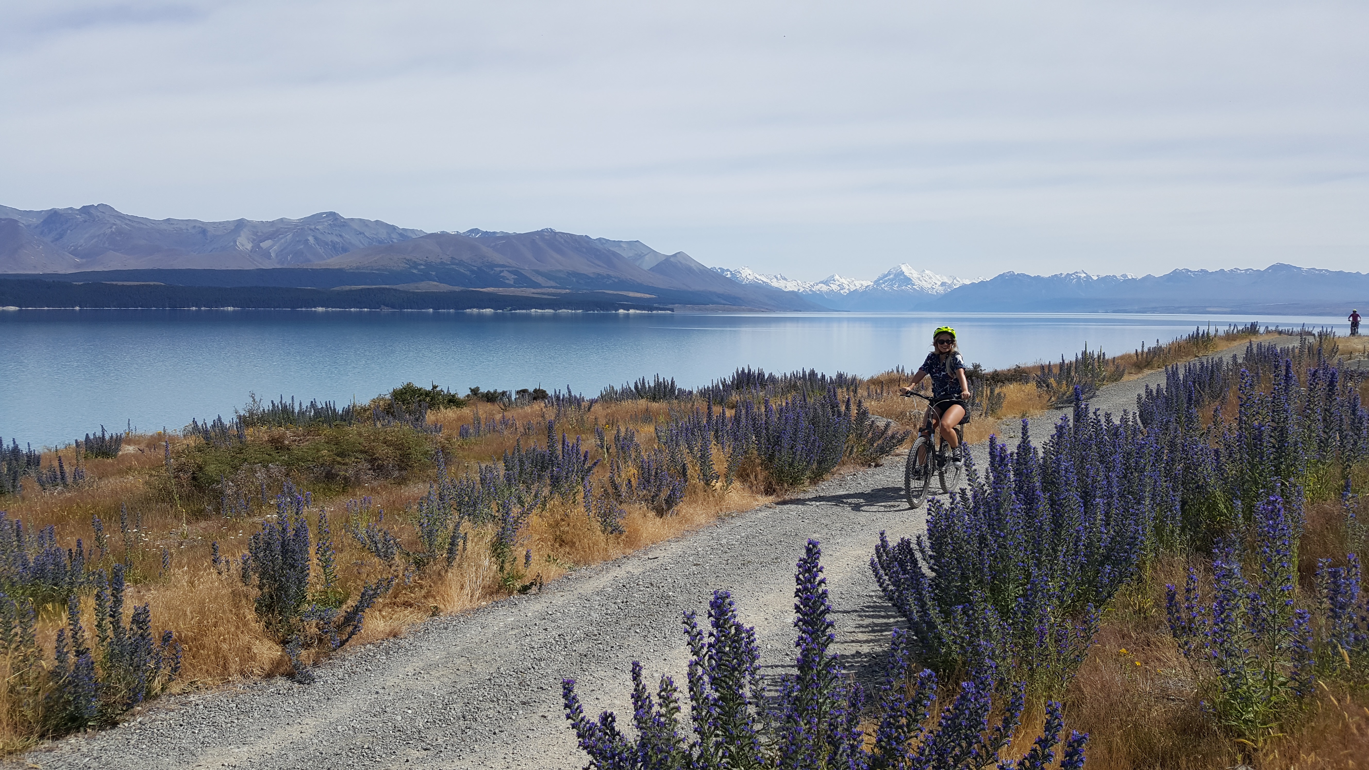 Lakeside Cycling Mountain and Lake Views Relaxing Holiday in a Beautiful location